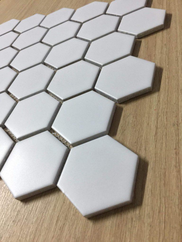 gach mosaic luc giac