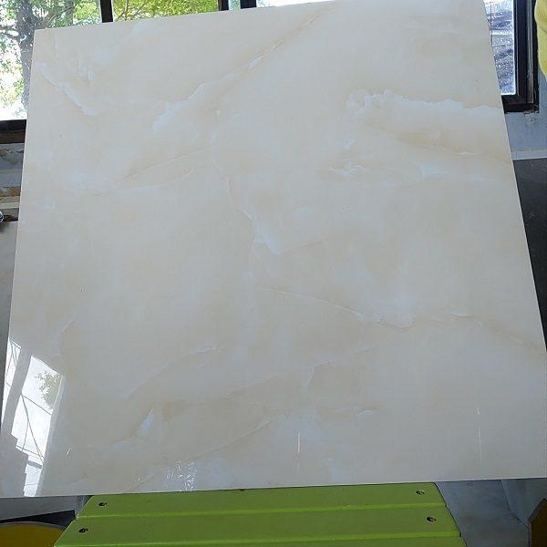 Gạch Lát Nền 60×60 Màu Vàng Kem Vân Mây Bóng Kính Vitto 702