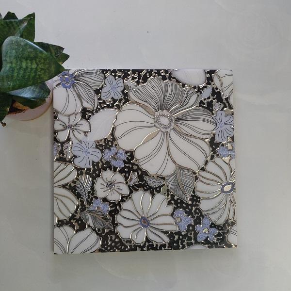 gach trang tri 30x30 nhu trang nen hoa