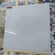 Gạch Lát Nền 60×60 Màu Trắng Vân Mây Nhạt Prime 9044 Đá Bóng Kính
