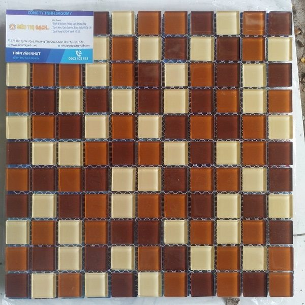 gach mosaic thuy tinh maumau mau trang
