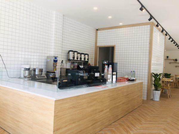 gach the mau trang op tuong quan cafe 10x10