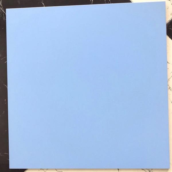 gach da mau xanh troi 60x60 mo