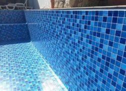 Gạch mosaic thủy tinh màu xanh cho hồ bơi