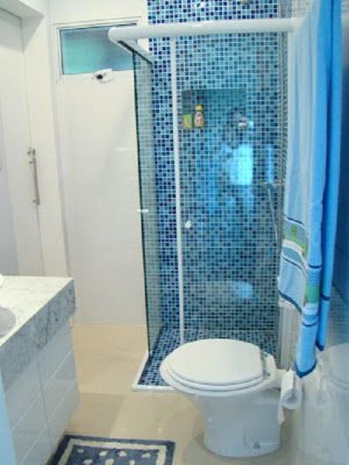 Gạch mosaic thủy tinh màu xanh cho phòng vệ sinh đem tới không gian hiện đại