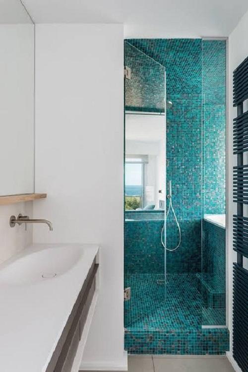 Gạch mosaic thủy tinh màu xanh cho phòng vệ sinh có độ sáng bóng cao