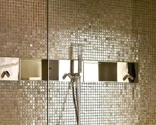 Gạch mosaic thủy tinh màu vàng cho phòng vệ sinh tạo nên sự sang trọng