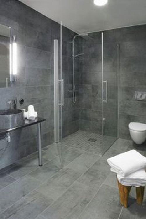 Gạch thẻ màu xám trơn bóng ốp tường phòng vệ sinh