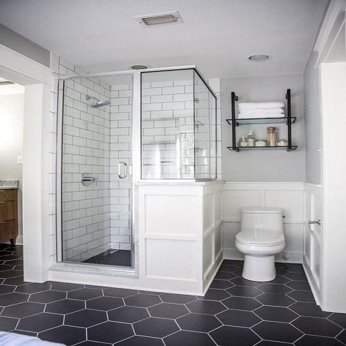Gạch lục giác màu đen cho phòng vệ sinh sẽ trở nên độc đáo, khác biệt