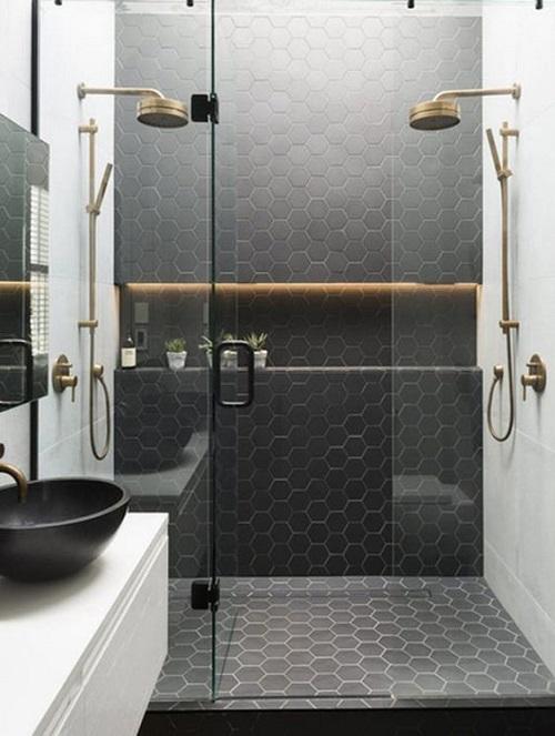 Gạch lục giác màu đen cho phòng vệ sinh đem lại sự sang trọng cho không gian thiết kế.