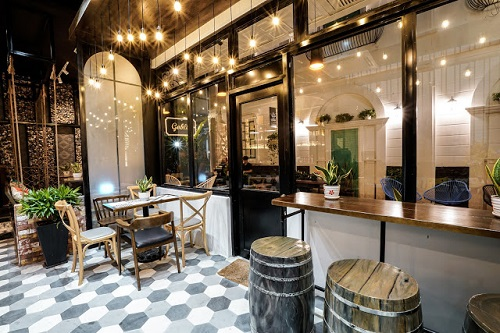 Gạch lục giác màu xám cho quán cà phê  cho không gian quán cà phê mang đậm hơi thở cổ điển