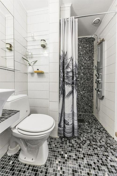 Chỉ dùng gạch mosaic thủy tinh lát 1 phần nhà vệ sinh