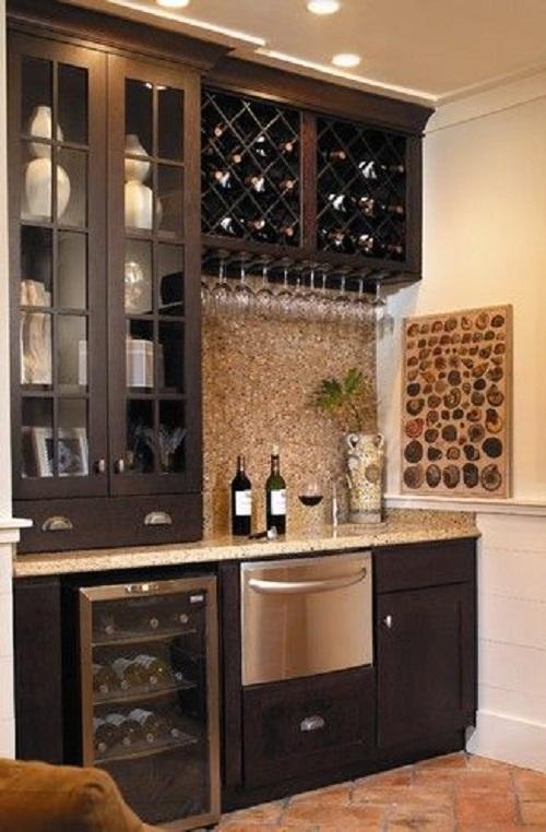 Gạch mosaic thủy tinh màu vàng cho bếp nổi trội