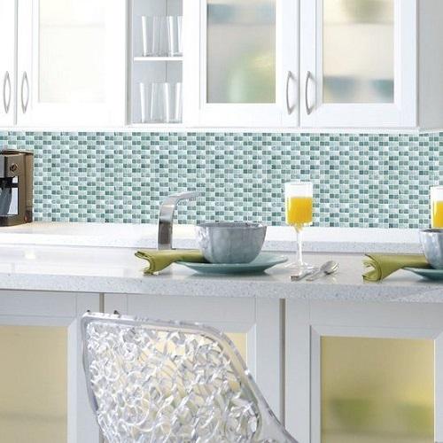 Gạch mosaic màu xanh cho phòng bếp độc đáo