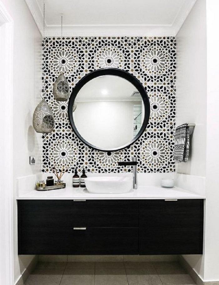 Gạch bông vân cổ điển cho khu vực nền nhà vệ sinh là một gợi ý không tồi