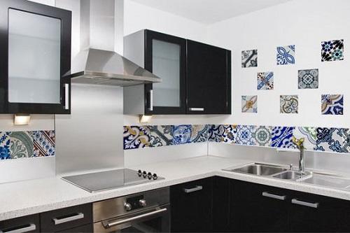Trang trí bằng Gạch bông vân cổ điển cho phòng bếp hiện đại