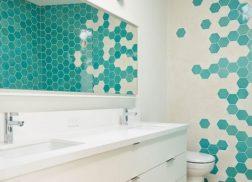 Gạch lục giác màu trắng cho phòng vệ sinh vẻ đẹp ấn tượng