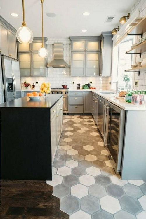 Trang trí bằng Gạch lục giác màu xám cho phòng bếp sạch sẽ