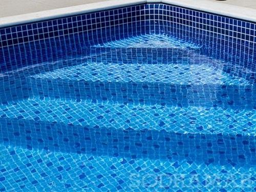 Tại sao lựa chọn gạch mosaic thủy tinh màu xanh cho hồ bơi