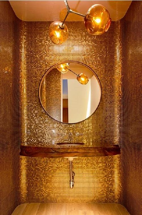 Gạch mosaic thủy tinh màu vàng cho phòng vệ sinh ấn tượng