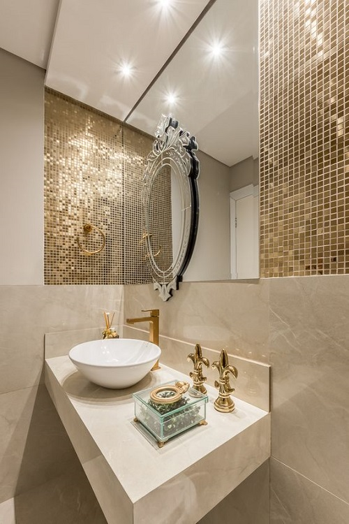 Gạch mosaic thủy tinh màu vàng cho phòng vệ sinh độc đáo và tinh tế