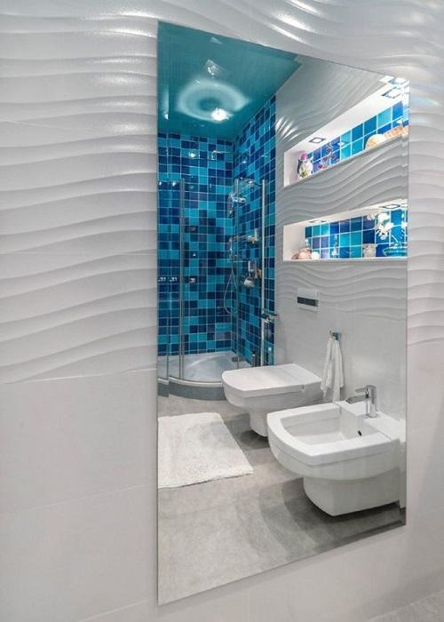 Trang trí bằng Gạch mosaic thủy tinh màu xanh cho phòng vệ sinh thân thiện