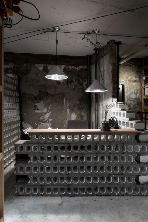 Trang trí bằng Gạch thẻ màu đen cho quán cà phê sang trọng