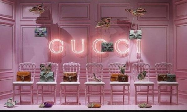 Gạch thẻ màu hồng cho quán cà phê trông sang trọng hẳn lên