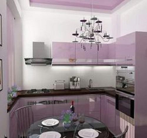 Gạch thẻ màu tím cho phòng bếp nhìn không bị chán mắt.