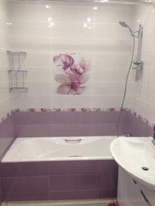 Gạch thẻ màu tím cho phòng vệ sinh vẻ đẹp ấn tượng