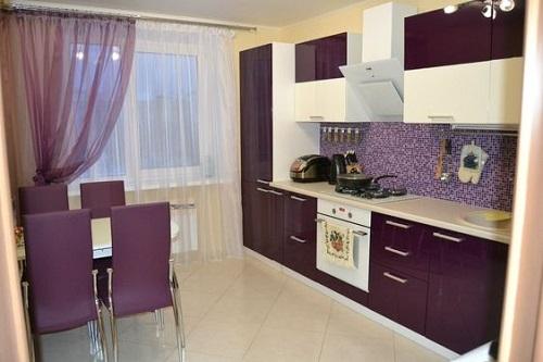 Gạch thẻ màu tím cho tường bếp đẹp lung linh