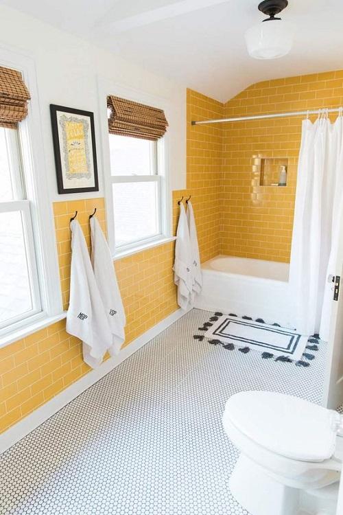 Gạch thẻ màu vàng cho phòng vệ sinh sạch sẽ