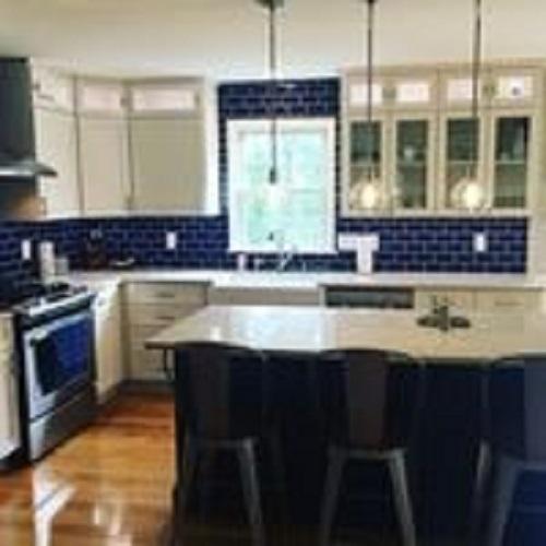 Gạch thẻ màu xanh cho phòng bếp thanh lịch và tinh tế.