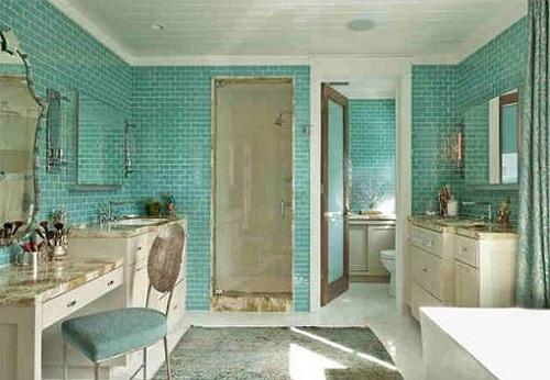Gạch thẻ màu xanh cho phòng vệ sinh nổi trội