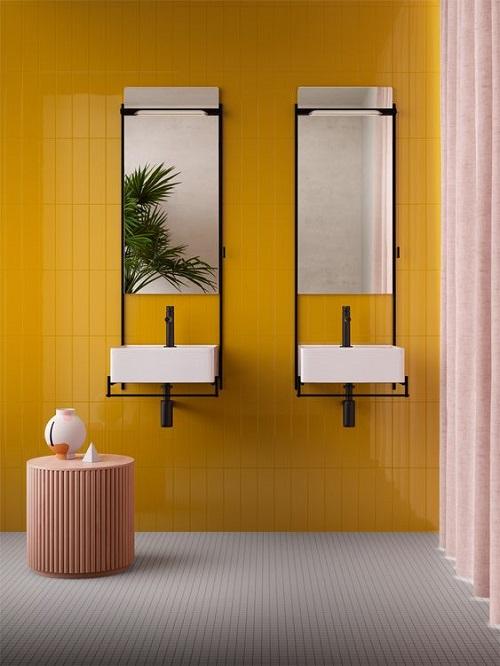 Gạch thẻ màu vàng cho phòng vệ sinh độc đáo