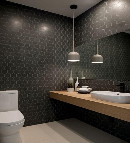 Gạch lục giác màu đen cho phòng vệ sinh nổi trội