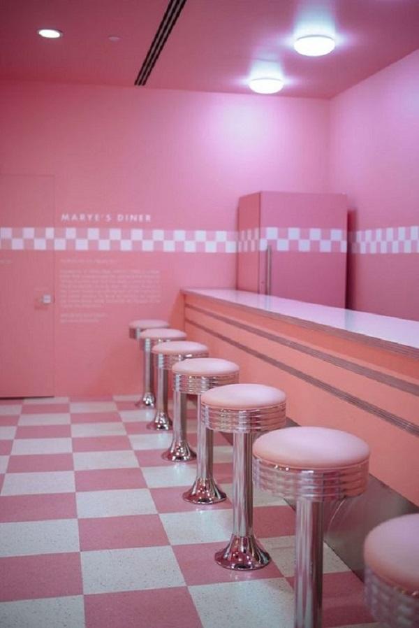 Gạch thẻ màu hồng cho quán cà phê cho một không gian cổ điển và sang trọng