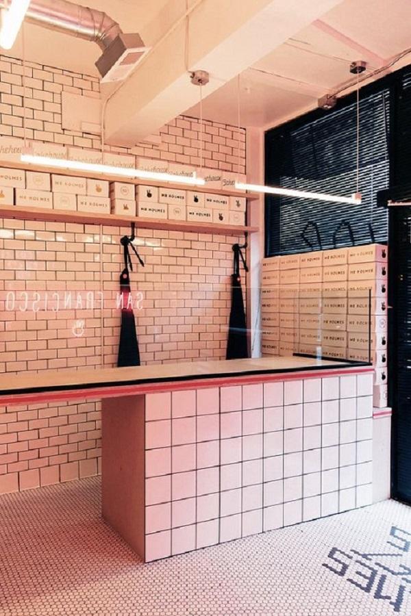 Gạch thẻ màu hồng cho quán cà phê độc đáo và tinh tế