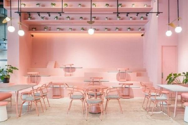 Gạch thẻ màu hồng cho quán cà phê nổi trội