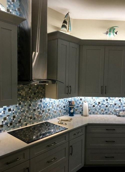 Gạch mosaic màu xanh cho phòng bếp vẻ đẹp ấn tượng