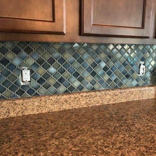 Gạch mosaic màu xanh cho phòng bếp thanh lịch và tinh tế.