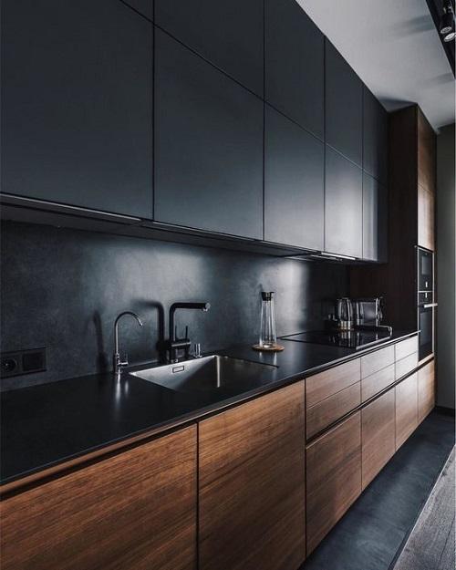 Trang trí bằng gạch thẻ màu đen cho phòng bếp thân thiện
