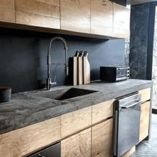 Trang trí bằng gạch thẻ màu đen cho phòng bếp sạch sẽ