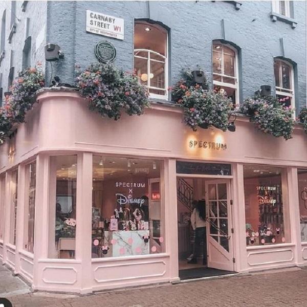 Gạch thẻ màu hồng cho quán cà phê thu hút