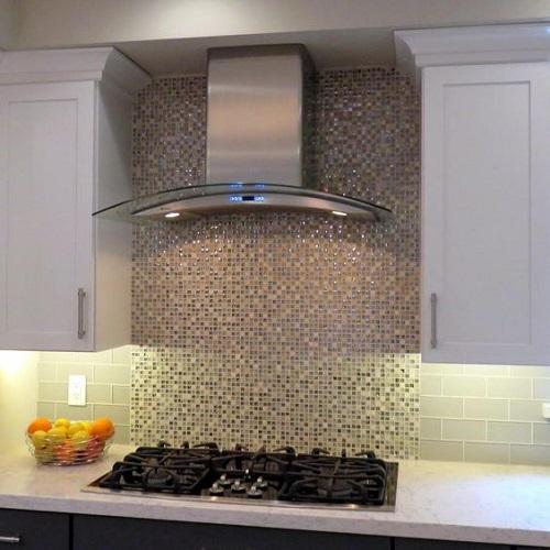 Trang trí bằng Gạch mosaic thủy tinh màu vàng cho phòng bếp dễ dọn dẹp
