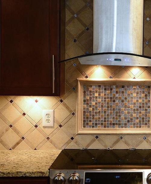 Gạch mosaic thủy tinh màu vàng cho phòng bếp lịch sự