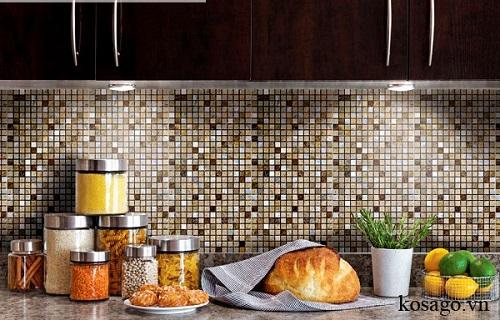 Gạch mosaic thủy tinh màu vàng cho phòng bếp cho không gian đẹp hơn và có sức sống hơn.