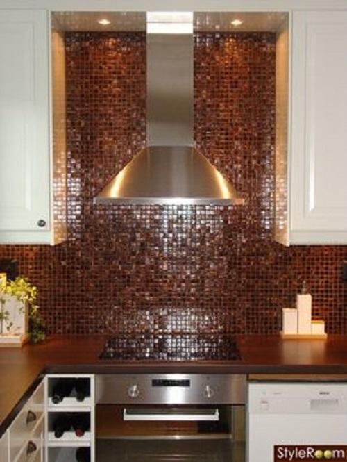 Trang trí bằng Gạch mosaic thủy tinh màu vàng cho phòng bếp dễ lau dọn