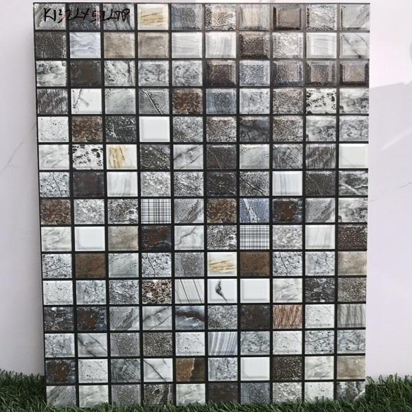 gach op tuong gia mosaic mau nau den