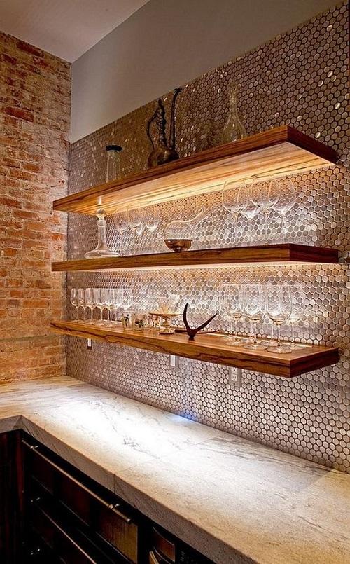 Gạch mosaic thủy tinh màu vàng dùng ốp bếp được nhiều người ưa chọn vì dễ lau chùi